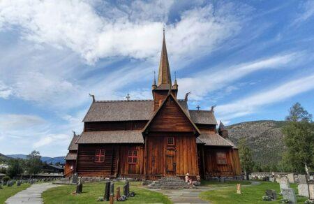 Lom church